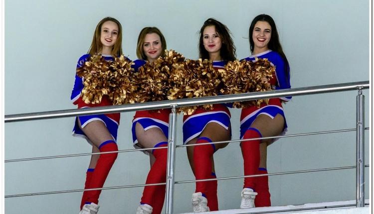 В России гордятся черлидерами в хоккее. Казахстанки - лучше!
